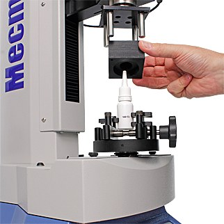 Precise torque measurement for small plastic closures with Helixa and a mandrel